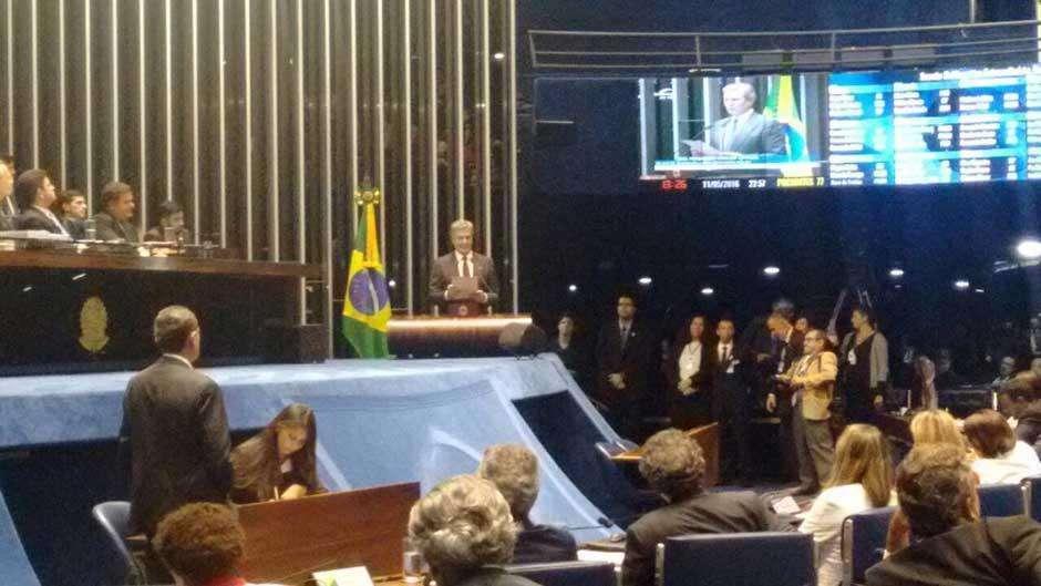 Collor relembra impeachment de 1992 e faz críticas a Dilma, mas não revela voto