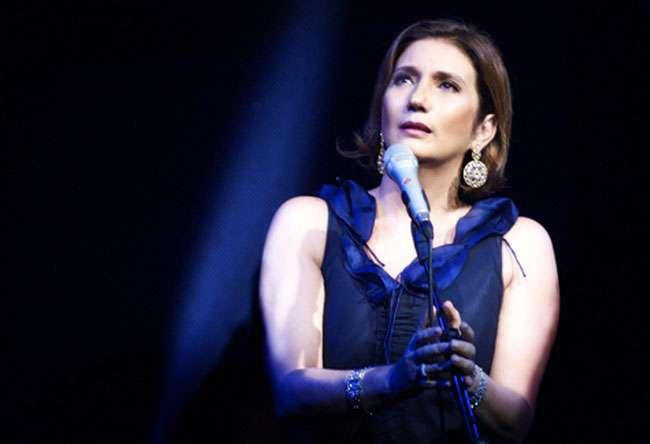 'Sem cantar, minha alma não sobrevive', diz Zizi Possi