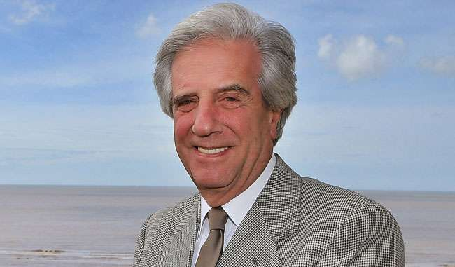 Vázquez vence eleições no Uruguai, diz jornal