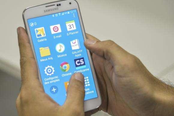 Percentual de brasileiros com celular cresceu 131,4% entre 2005 e 2013, diz IBGE