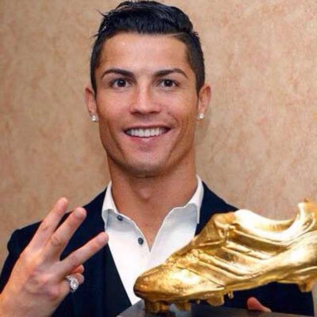 Com atraso, Cristiano Ronaldo recebe Chuteira de Ouro