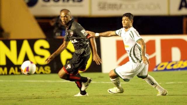 Luverdense marca no fim e vence Atlético-GO no Serra Dourada