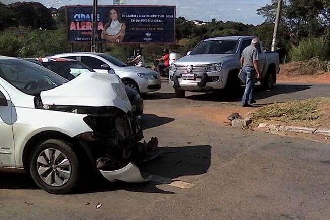 Suspeito de roubo morre em troca de tiros em Aparecida de Goiânia