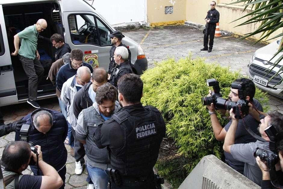 Sérgio Moro decide libertar nove presos temporários da 26ª fase da Lava Jato