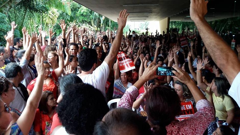 Servidores da Saúde suspendem greve após acordo com o governo