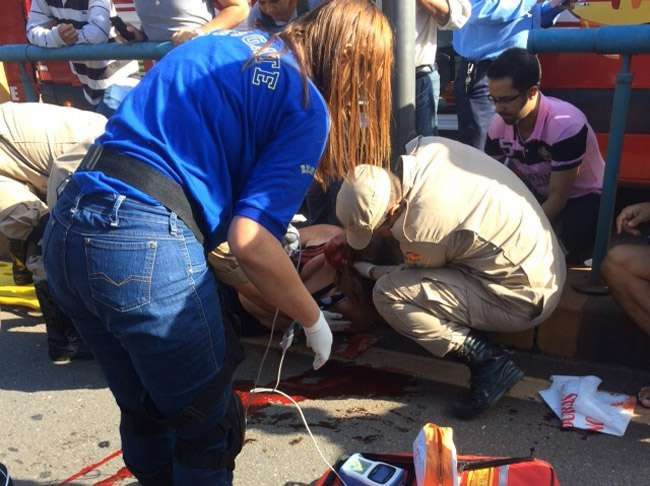 Mulher é atropelada em cima da faixa de pedestre por ônibus do Eixão