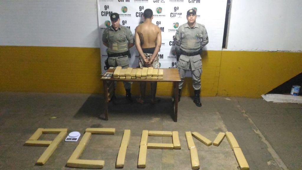 PM apreende 52 kg de maconha em residência na Vila São João