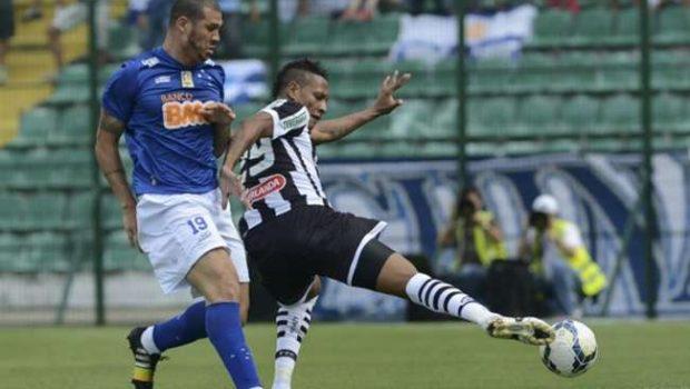 Com gol no final, Figueirense empata com líder Cruzeiro