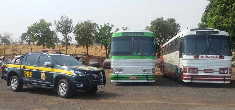 Operação da PRF e ANTT apreende dois ônibus clandestinos em Catalão