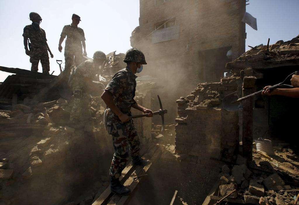 Número de mortos por terremoto no Nepal ultrapassa 3,6 mil