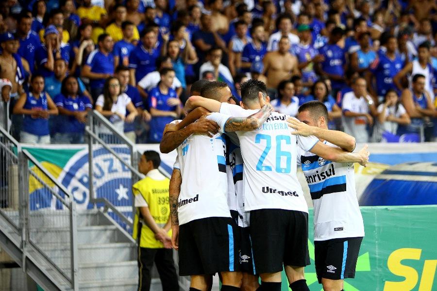 Grêmio surpreende no Mineirão e faz 2 a 0 no Cruzeiro em semi da Copa do Brasil