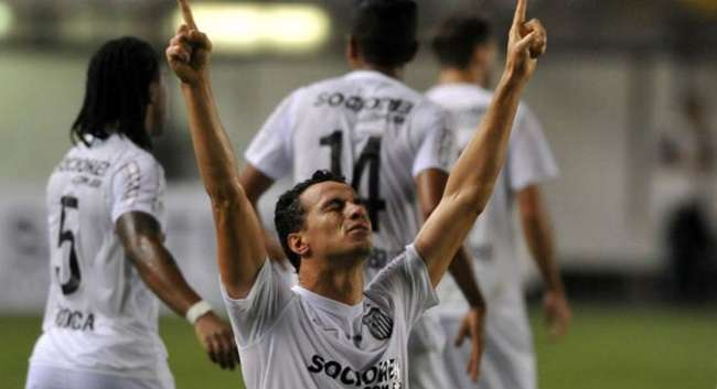 Com Damião, Santos vence Atlético-PR e encerra jejum