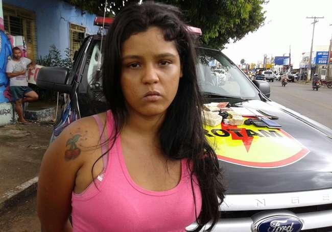 Mulher é presa por tráfico de drogas em Aparecida de Goiânia