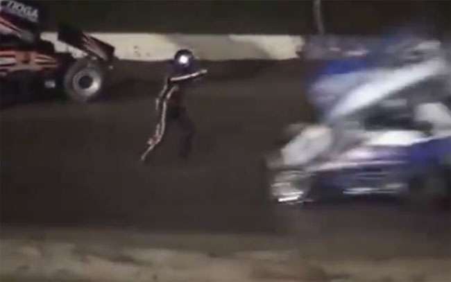 Piloto morre atropelado após sair de carro para reclamar de fechada