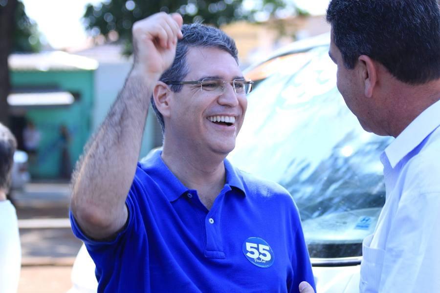 """""""Temos uma disputa na qual um quarto ainda não decidiu seu voto a seis dias da eleição"""", diz Francisco Jr"""