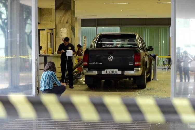 Motorista invade Ministério da Fazenda e Polícia Federal faz perícia no local