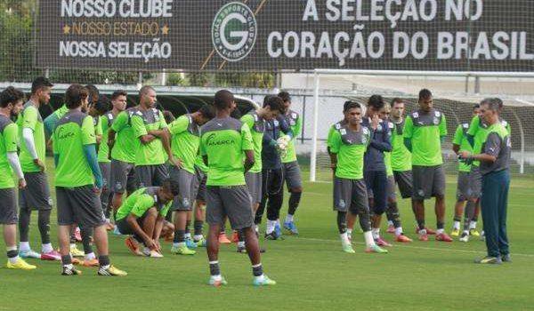 Confira a relação de convocados do Goiás para partida contra o Fluminense