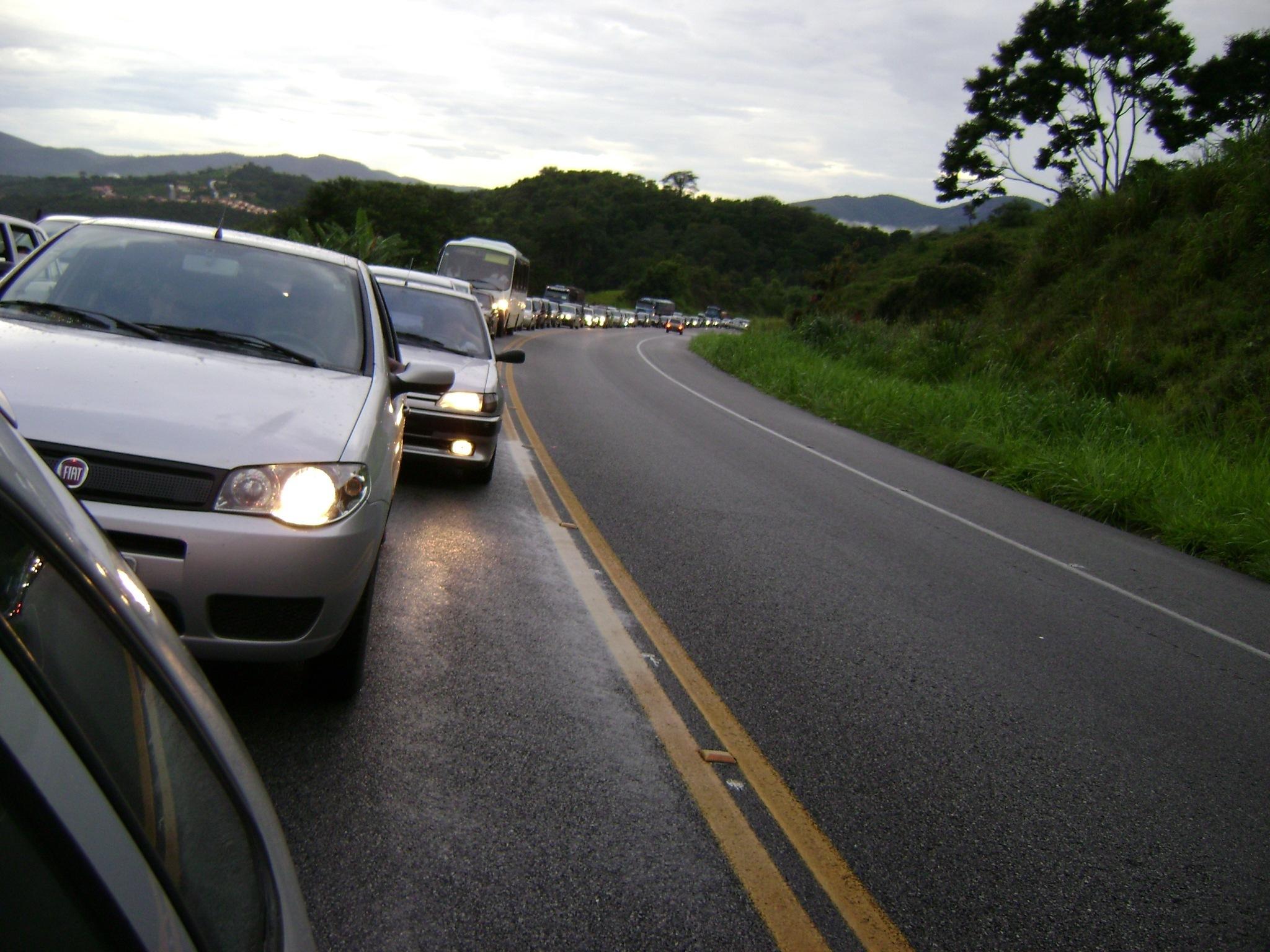 Ano Novo tem queda no número de acidentes nas estradas federais em Goiás