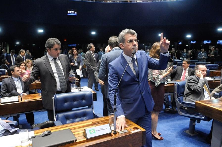 Senado aprova aumento de salário para servidores da Defensoria Pública da União