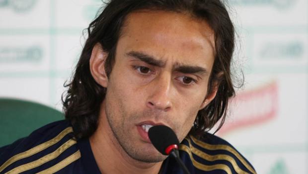 Palmeiras pode não ter Valdivia contra Internacional
