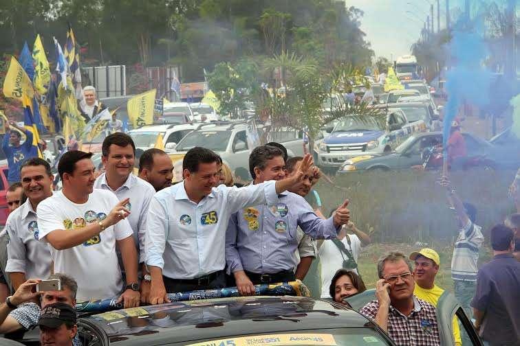 Marconi é recebido com festa pela população de Palmeiras de Goiás