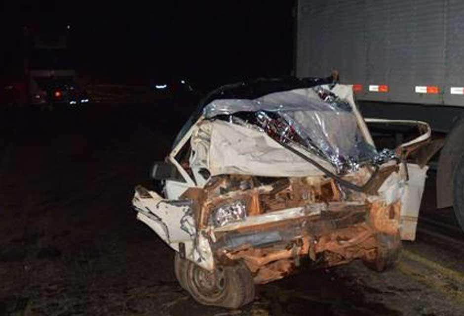 Três pessoas morrem em acidente na BR-153, próximo a Nova Glória (GO)