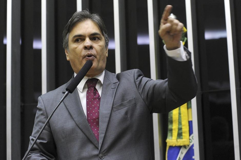 PMDB salva elegibilidade de Dilma e abre crise com PSDB e DEM