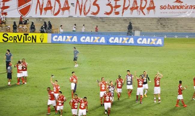 Vila Nova supera o Brasil de Pelotas nos pênaltis e vai à final da Série C