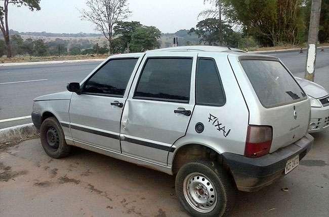 Homem é flagrado com veículo com 130 multas