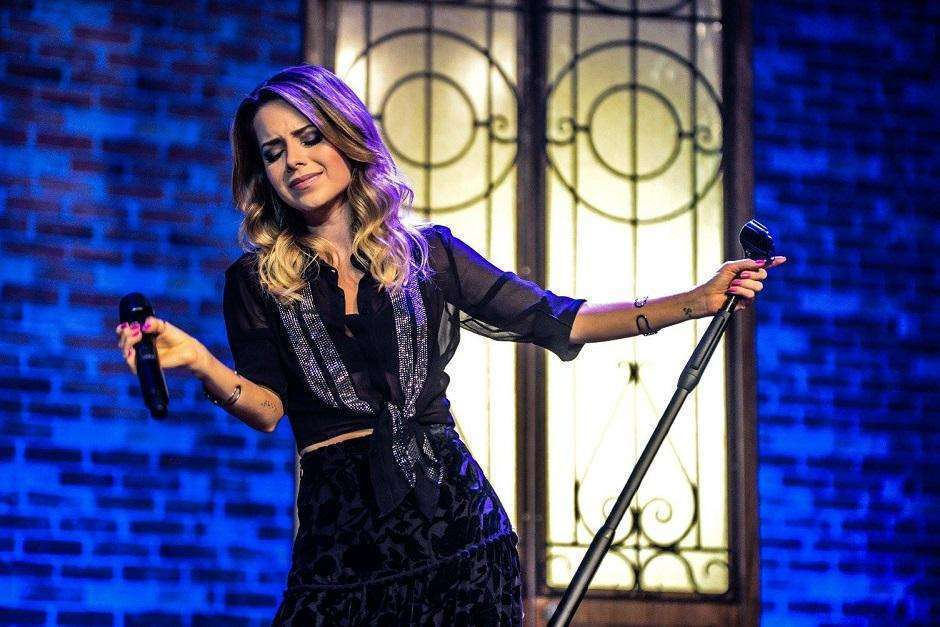 Sandy traz turnê Meu Canto ao Teatro Rio Vermelho