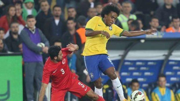Brasil ganha fácil da Turquia e mantém 100% com Dunga