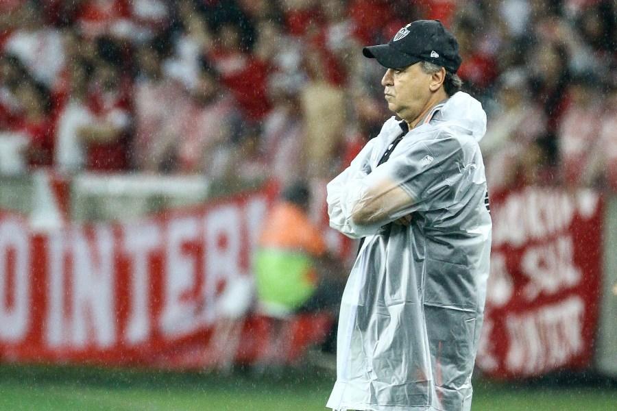 Marcelo Oliveira celebra vantagem do Atlético-MG, mas pede atenção