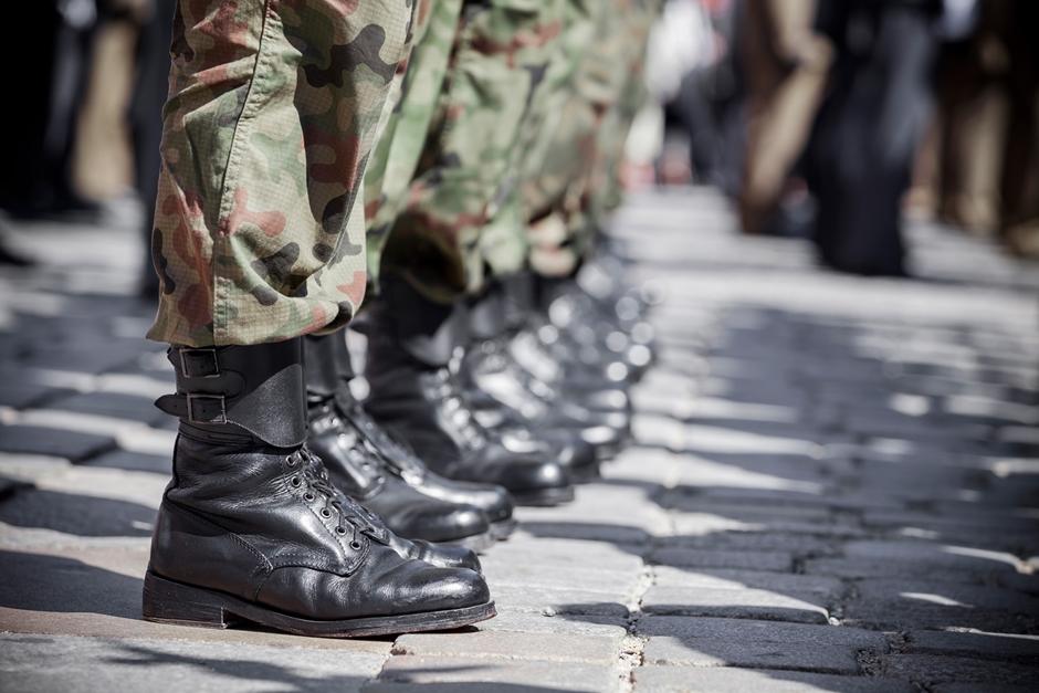 Defesa rejeita teto do INSS para militar