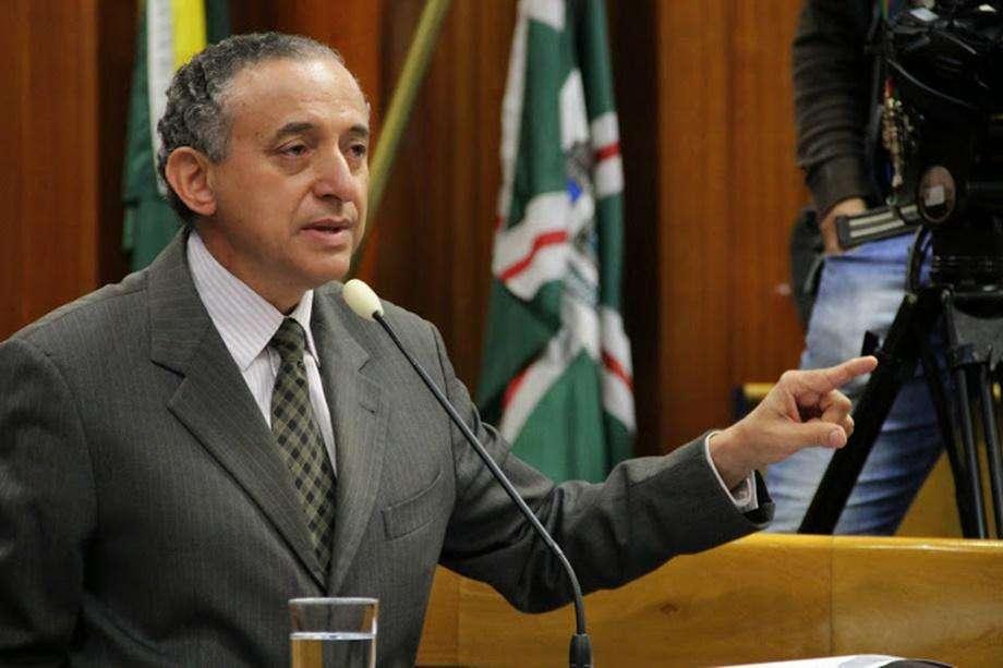 Promotora pede bloqueio de bens do ex-presidente da Câmara Municipal Anselmo Pereira
