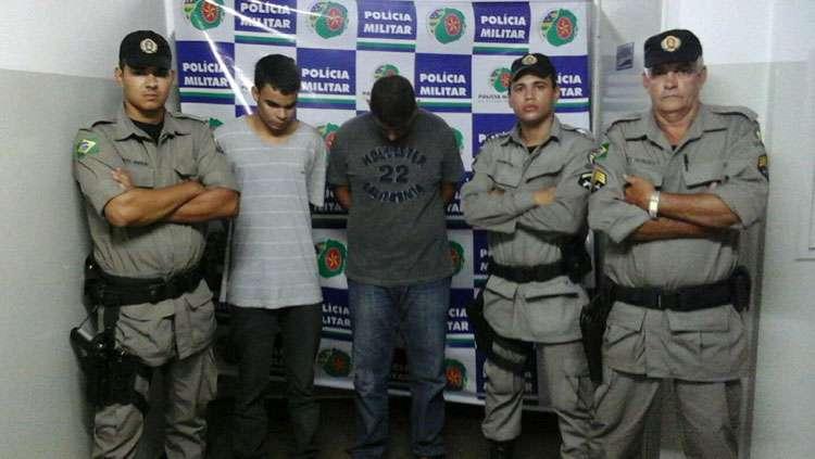 Dupla é presa ao assaltar joalheria no Centro