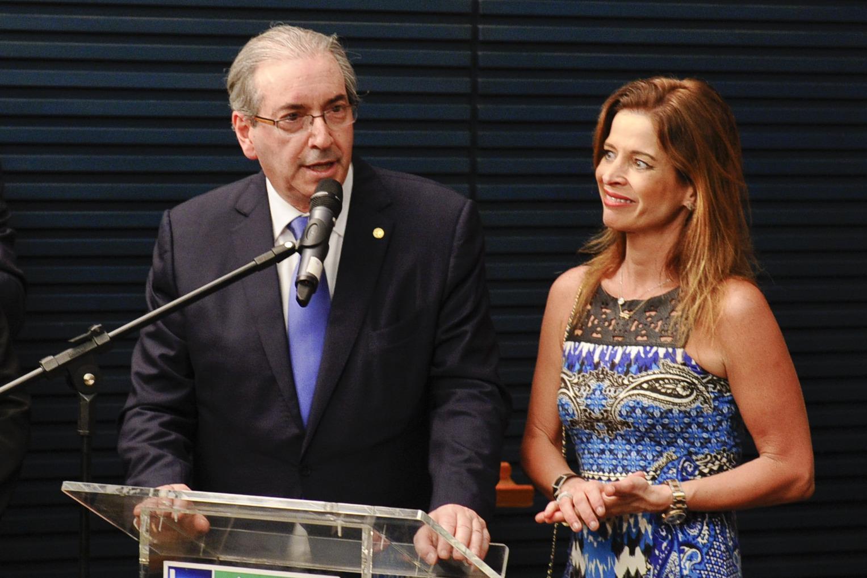 Procuradoria liga mulher de Eduardo Cunha a esquema 'criminoso' na Petrobras