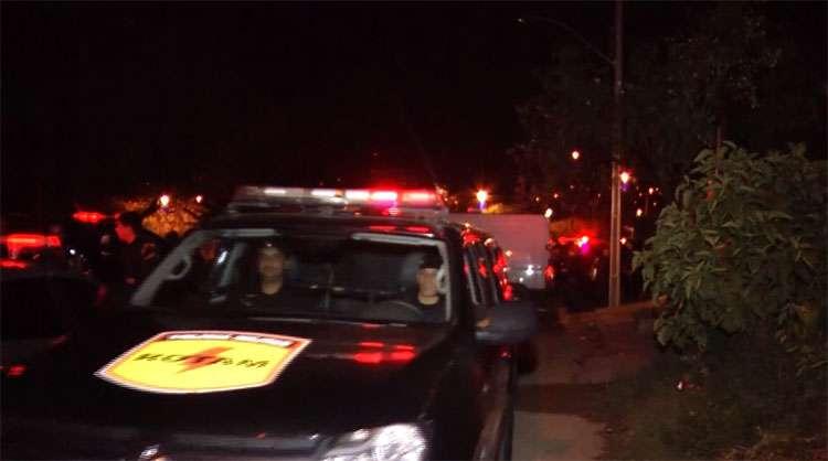 Dois jovens morrem em troca de tiros com policiais da Rotam