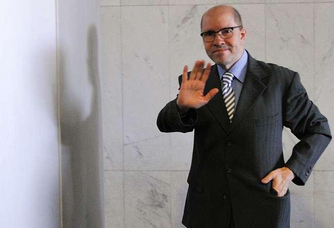 TJ-GO mantém Demóstenes Torres afastado de procuradoria