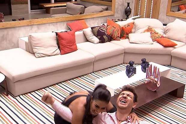 Cézar é o grande vencedor do 'Big Brother Brasil 15' e fatura R$ 1,5 milhão