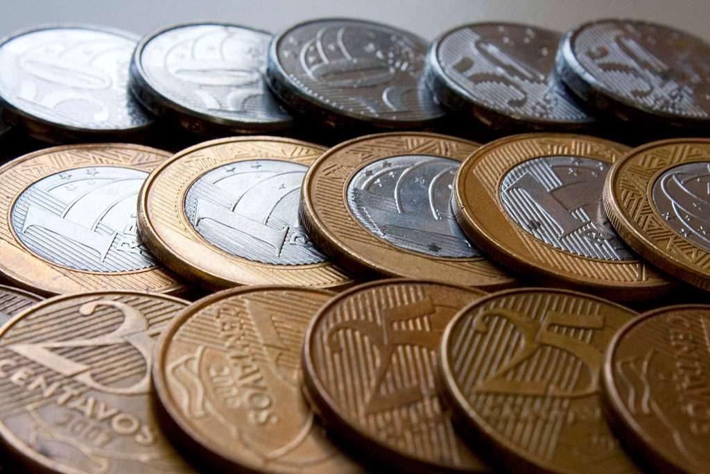 Sem moeda, lotéricas sugerem pagamento com cartão