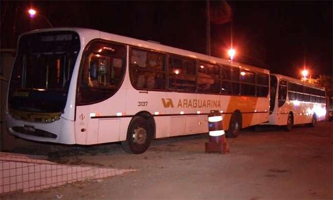 PRF apreende três ônibus irregulares na BR-060
