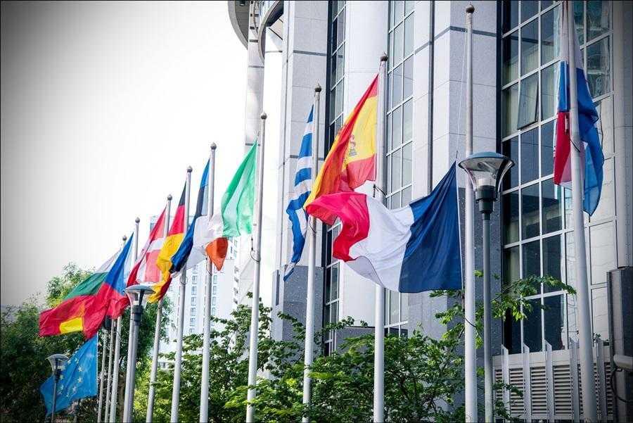 Itália aprova projeto final de orçamento e promete diálogo com UE