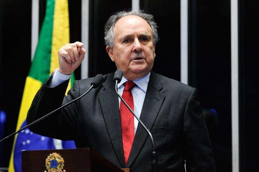 Cristovam defende eleições antecipadas para superar crise