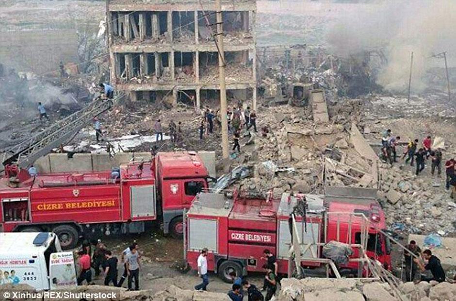 Atentado com caminhão-bomba na Turquia deixa 11 mortos