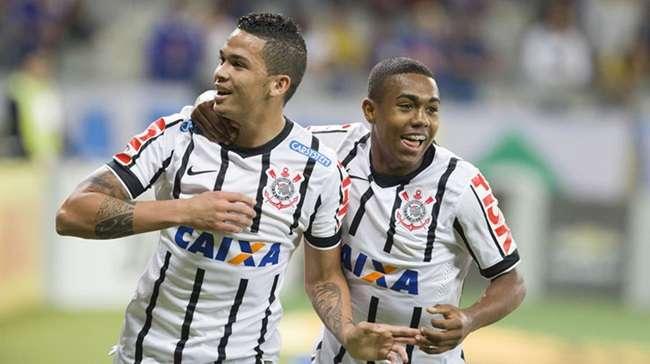 Corinthians encerra jejum e vence líder Cruzeiro em BH