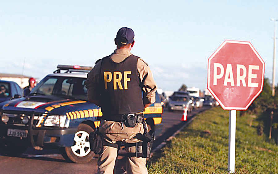 Operação da PRF apreende 26 veículos na BR-153