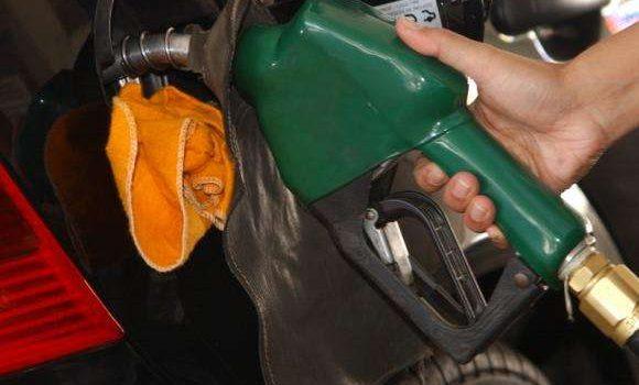 Carro antigo pode ter problema com aumento do etanol na gasolina