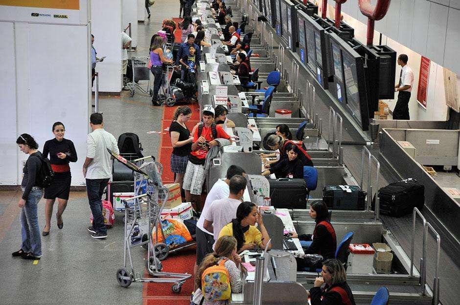 Normas de segurança estão mais rigorosas nos aeroportos do país a partir de hoje