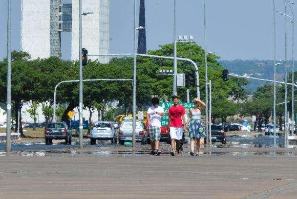 Inmet coloca região central do país em alerta máximo para calor e seca