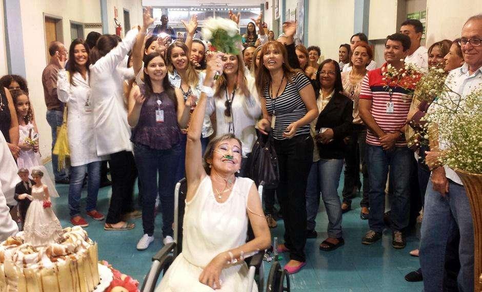 Mesmo sem chances de cura, paciente se casa no Hospital das Clínicas, em Goiânia